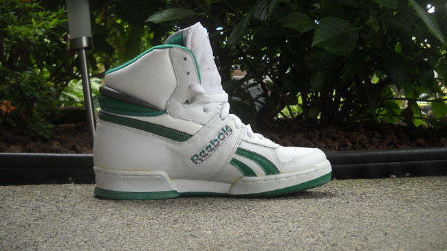 7a2c73efaf05 Buy old school reebok pumps   OFF45% Discounted