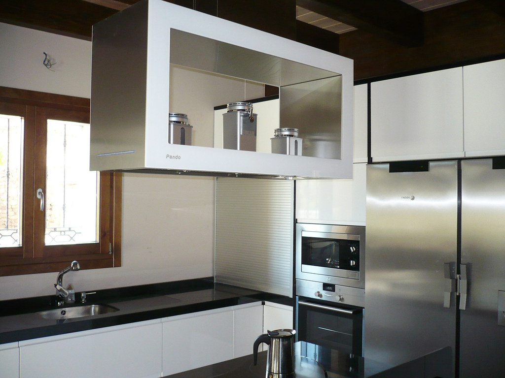 Cocina con campana extractora i 960 cocina dise ada y - Cocinas con campanas decorativas ...