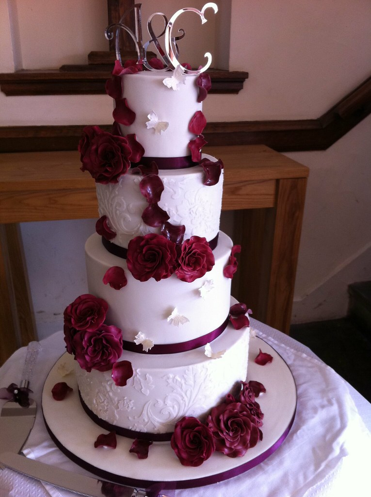4 tier wedding cake 4 tier sponge cake each tier 6 inches flickr - Burgundy and white wedding decorations ...