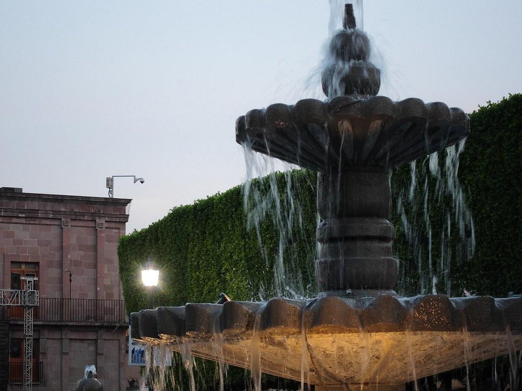 Fuente del jard n guerrero santiago de quer taro 1s flickr for Jardin guerrero queretaro