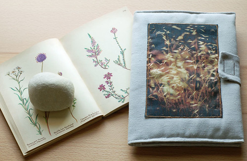 Grasses book/gadget case | by Mundo Flo