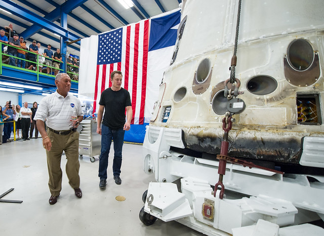spacex employees working - photo #12