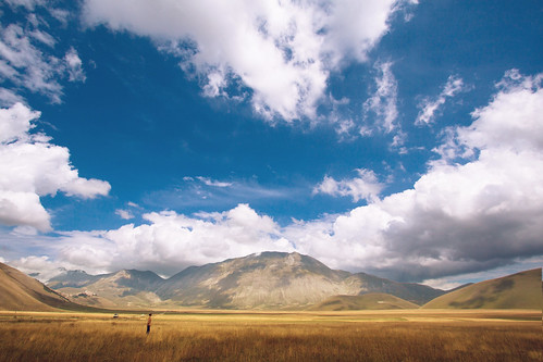 'Marching Clouds', Italy, Umbria, Castelluccio, Piano Grande Pass | by WanderingtheWorld (www.ChrisFord.com)