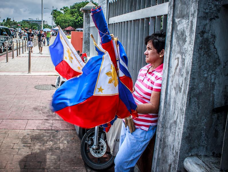 Philippine Flag for sale  Herman Lumanog  Flickr