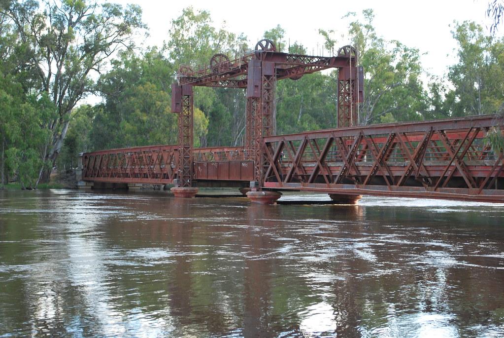 Murray River in Flood,Tocumwal Rail Bridge   Matt   Flickr