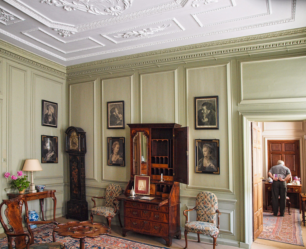 The Green Room In The 18th Century Mompesson House In Sali