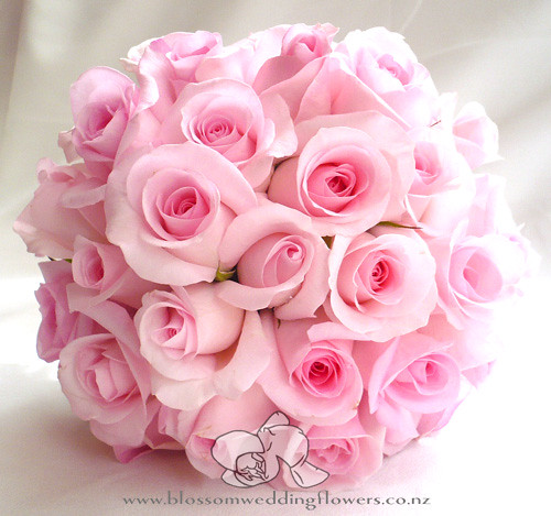 Pink rose bouquet bridal bouquet of pink roses with a for Pink roses flower arrangements