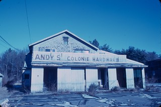 Andy's Colonie Hardware, Kodachrome 40 w/o filter | by chuckthewriter