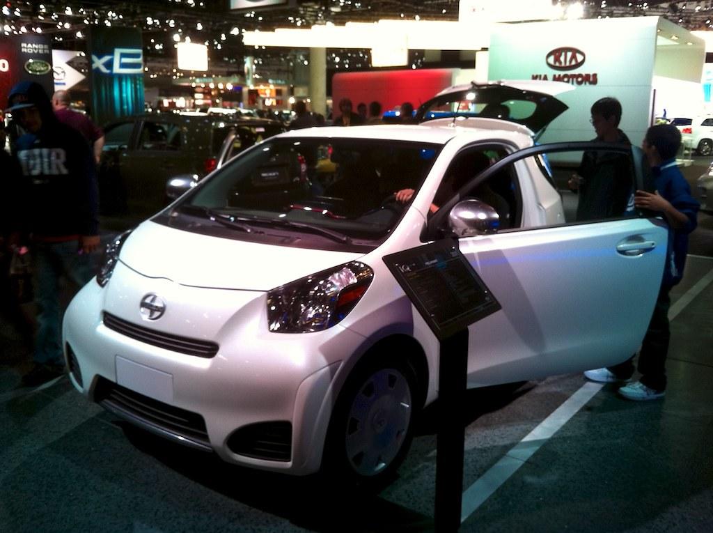 toyota 39 s smart car the scion iq is front engine front dri flickr. Black Bedroom Furniture Sets. Home Design Ideas