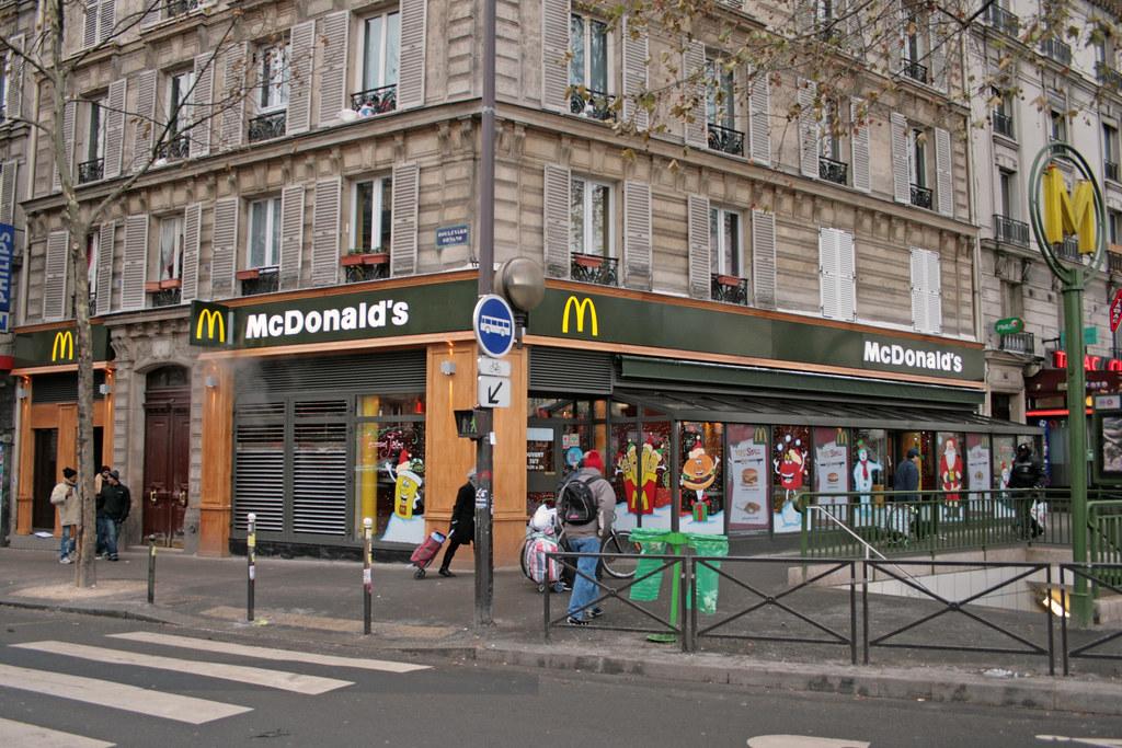 Mcdonald 39 s paris porte de clignancourt france the new lo flickr - Metro porte de clignancourt ...