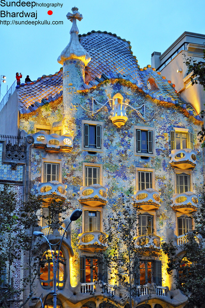 Barcelona spain catalunya antoni gaudi architecture dsc022 for Architecture gaudi