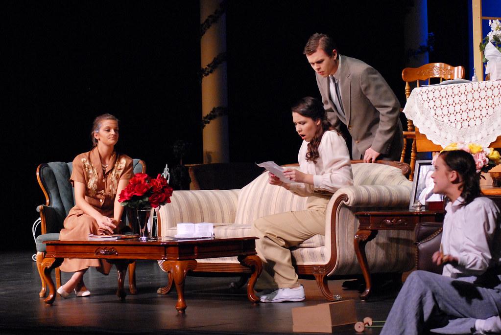 The philadelphia story 6700 burnsville high school for Burnsville theater