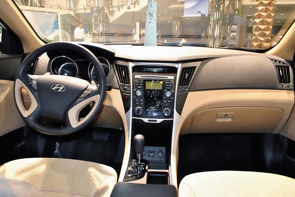 Hyundai Sonata 2011 Interior Not The Most Impressive But