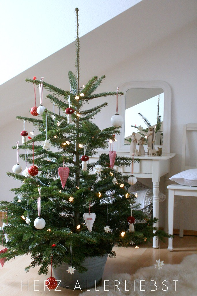 Weihnachten ist nah after a wonderful birthday party for Small christmas tree decorating ideas