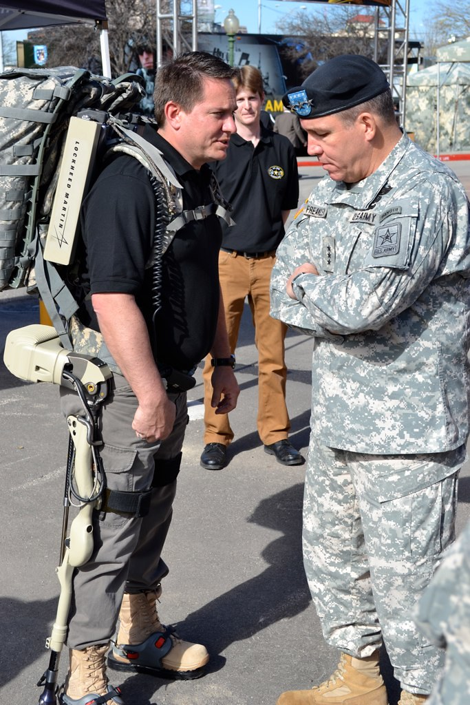 Army leadership tours Tech Zone | Lt. Gen. Benjamin C ...