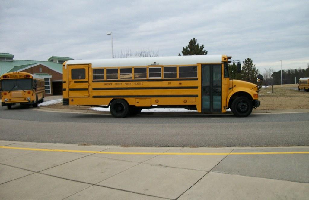 bus 271 Marcadores antigos (15) breda (154) desenhos (12) diversos (37) micro-ônibus (352) midi (19) notícias (1.
