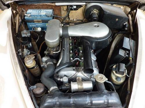 Duplicolor Shadow Chrome 150394 as well 5366015133 further Jaguar Mk Ii 3 8 Deportivo Con Traje De Vestir also Rear Axle likewise 1964 Daimler V8 250 Four Door Sports Saloon. on jaguar mark 2