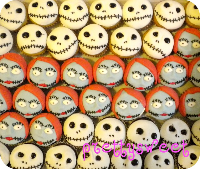 nightmare before christmas cupcakes | Flickr - Photo Sharing!