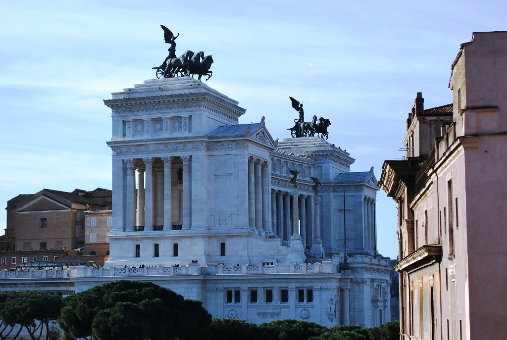 Roman Senate Building Forum Left The Roman Senate Building