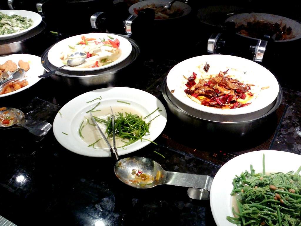 Lunch buffet from ever green vegetarian restaurant taipe - Green vegetarian cuisine ...