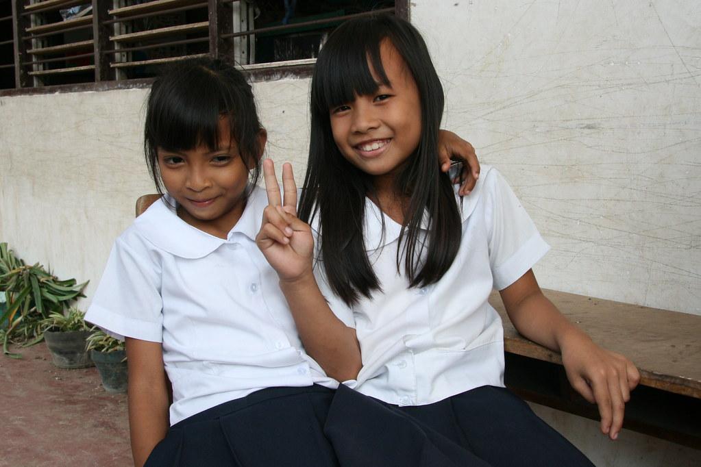 Asia - Philippines  Cebu - Preteens In School -5996
