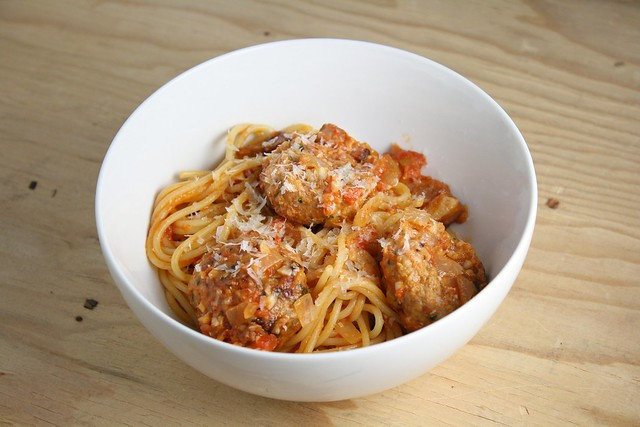 Spaghetti All'Amatriciana with Spicy Smoked Mozzarella Mea ...