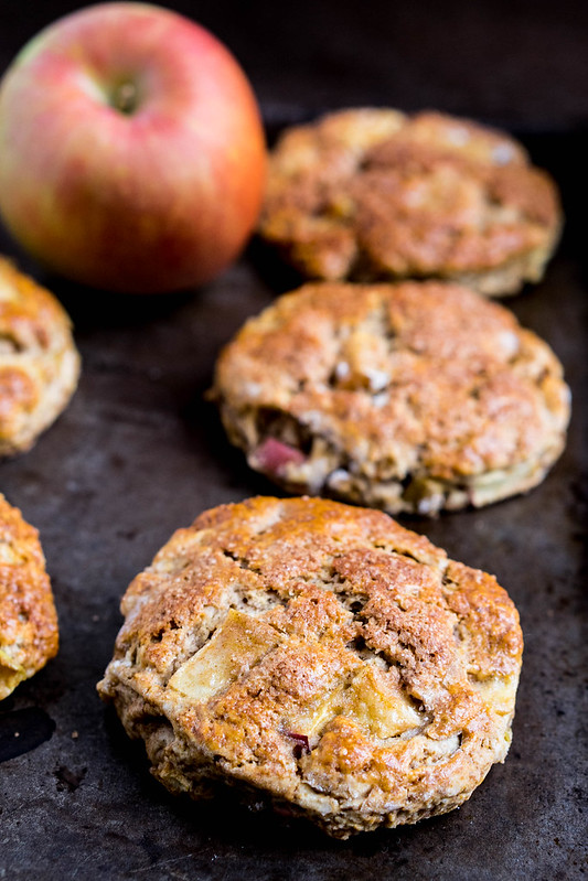 Cinnamon Apple Biscuits | cookingalamel.com