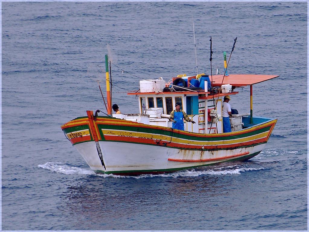Hand line fishing hand line fishing offshore brazil for Hand line fishing