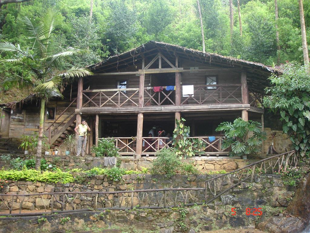 Log cabin bogawanthalawa hatton sri lanka mahesh for Log cabin portici e ponti