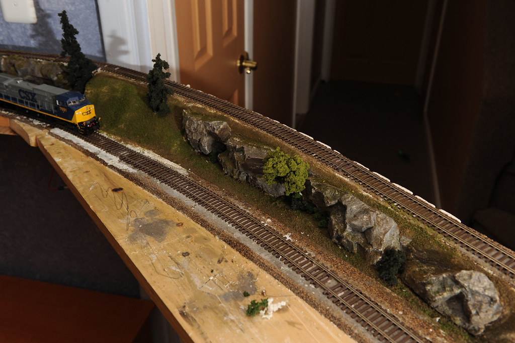 Ho Scale Shelf Layout Added Rock Trees And Grass As A