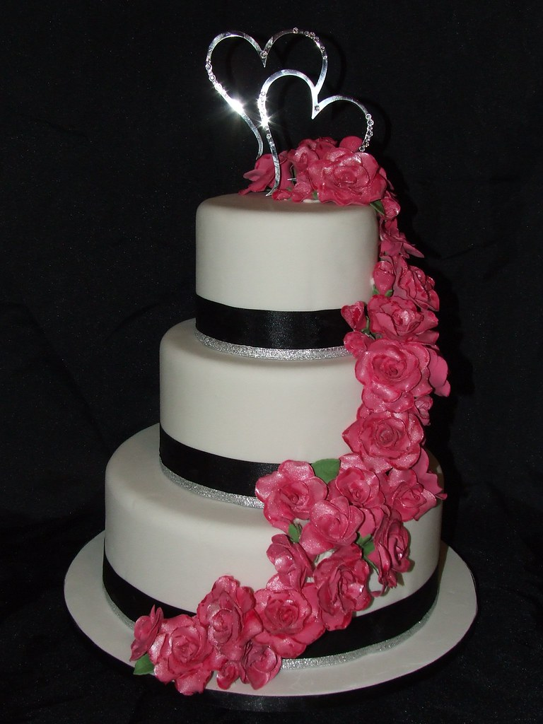 navy blue and hot pink wedding cake pink and white wedding cake i this cake made 17751