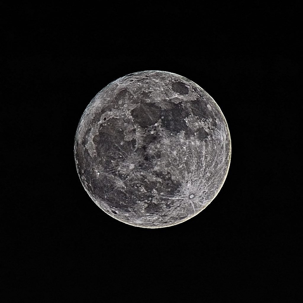 closest moon to earth - photo #29