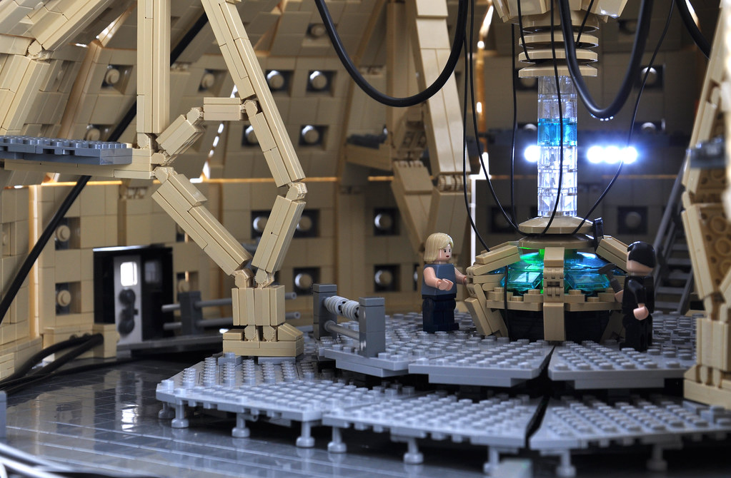 Lego tardis interior 1 the ninth and tenth doctor 39 s tardis flickr - Lego house interior ...