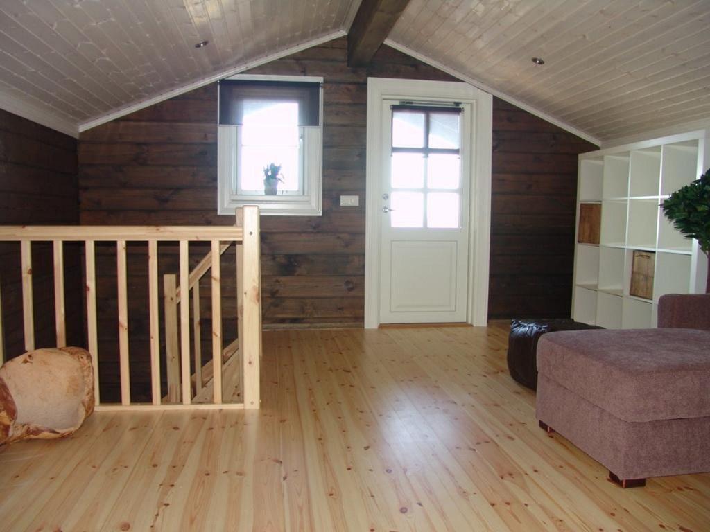 Interieur foto van een houten huis chalet of vakantiewoni flickr - Houten chalet interieur ...
