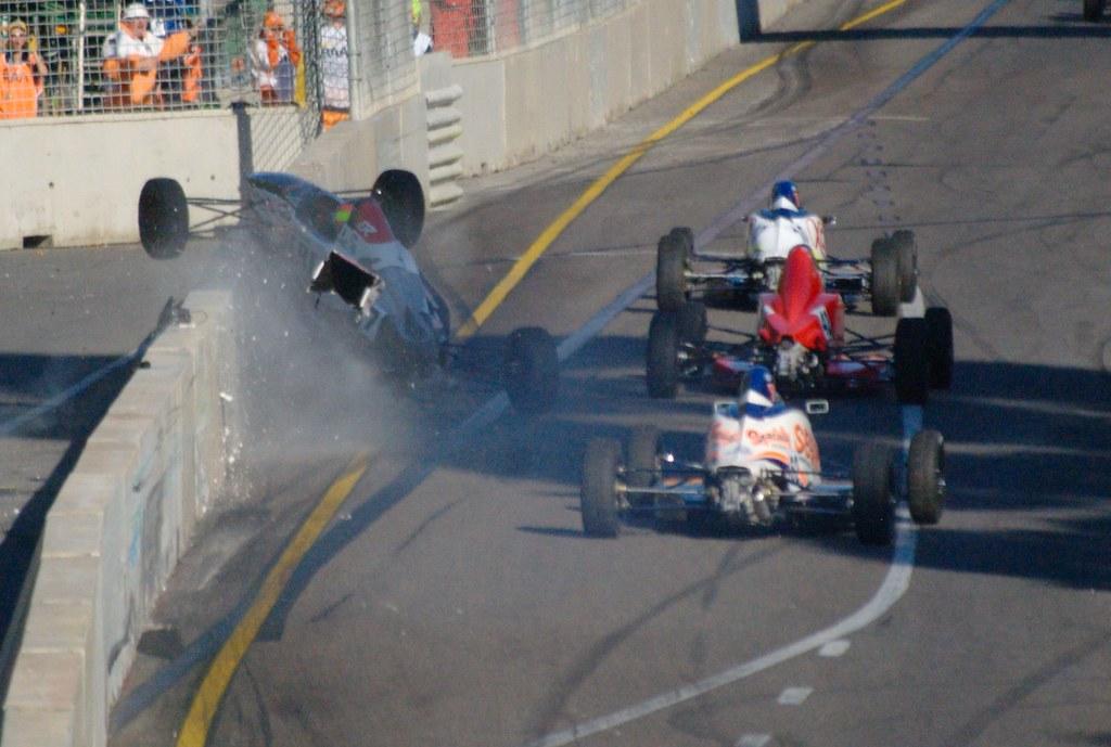 Formula Crash 2011 Formula Ford Crash Turn 8