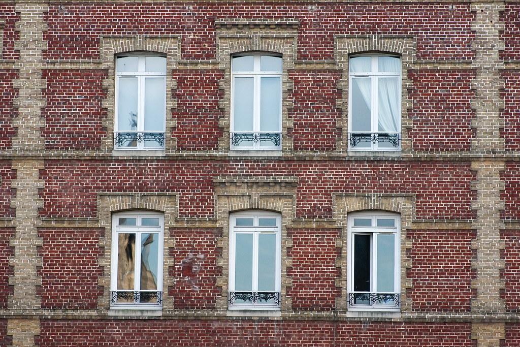 fa ade d immeuble en brique fa ade d immeuble en brique flickr. Black Bedroom Furniture Sets. Home Design Ideas