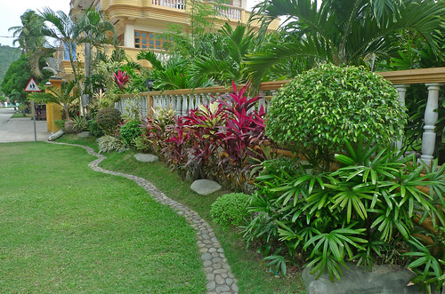 Landscape garden design in the philippines for Home garden design in the philippines