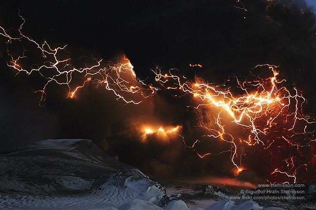 volcano lightning pyrotechnics ash - photo #22