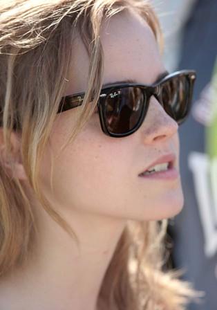 Emma Watson Ray Ban 2140 Emma Watson Seems To Be A Loyal