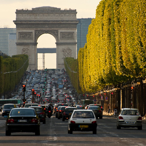 france paris champs elysee perspective sq rush hour