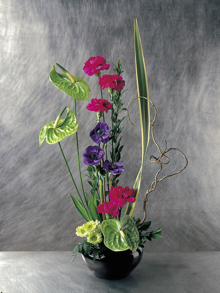 High Style Contemporary Flower Arrangement The Artistic