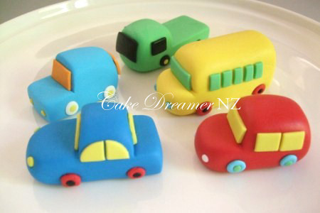 How To Make Car Cake With Fondant