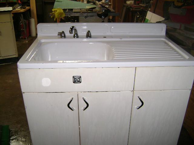 Old Fashioned Kitchen Sink Cabinet