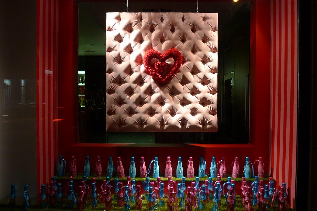Vitrine nicolas feuillatte saint valentin paris f vrier flickr - Deco st valentin vitrine ...