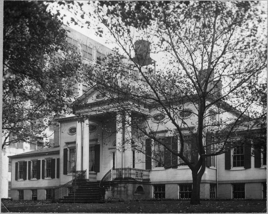 The Taft Mansion Cincinnati Ohio From Louis August