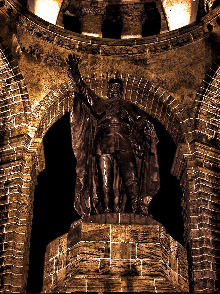 Porta westfalica kaiser wilhelm denkmal 03 hdr the - Porta westfalica mobel ...