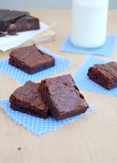 Classic unsweetened chocolate brownies / Brownies clássicos da Alice Medrich | by Patricia Scarpin