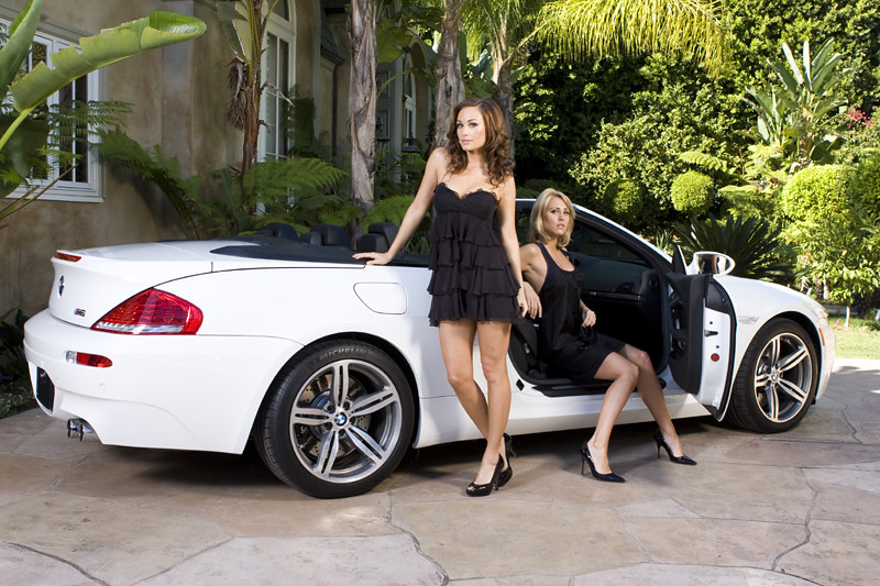 2 Models Bmw M6 Cabrio 2 Incredibly Beautiful Models In