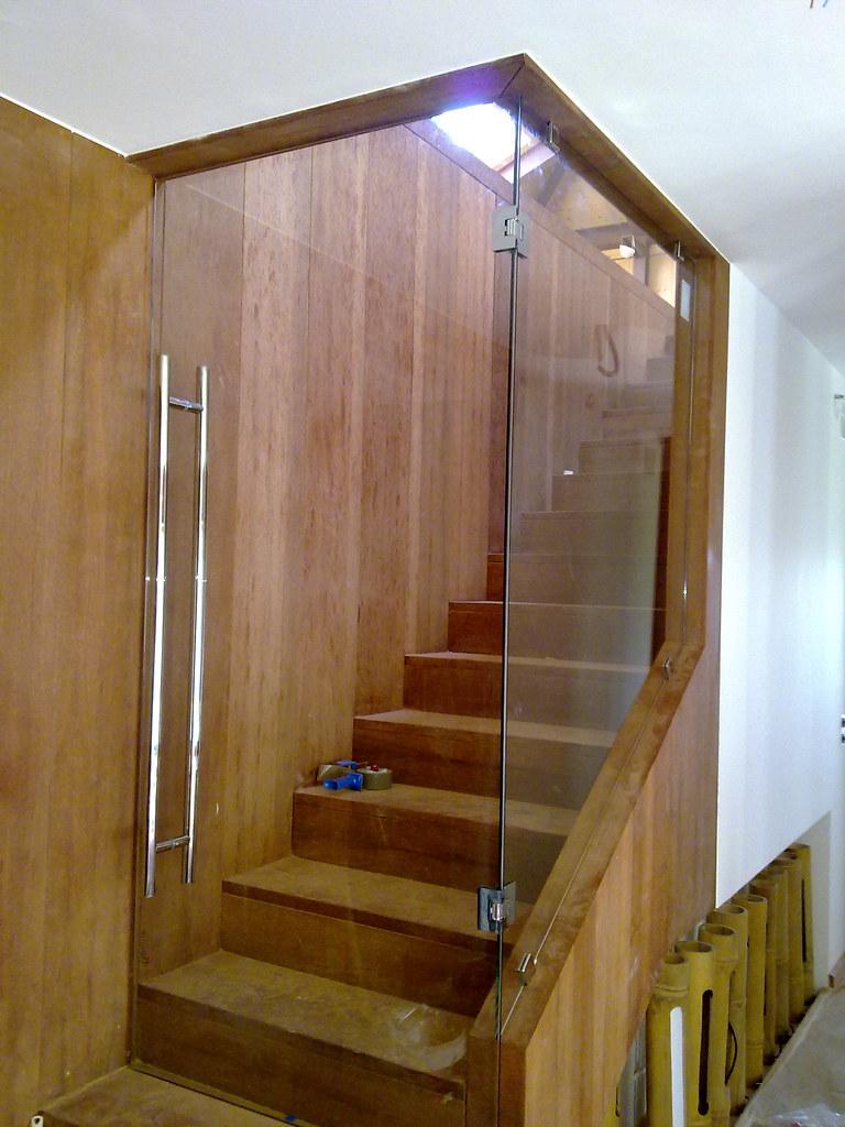 Cerramiento de escalera cerramiento de escalera for Cerramientos de interiores