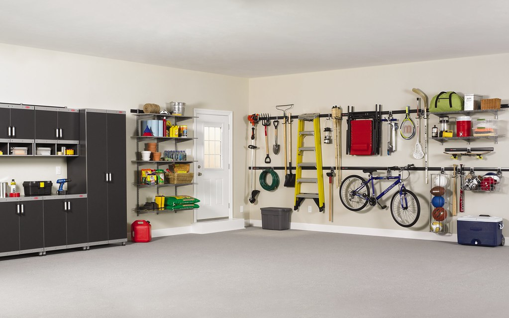 Rubbermaid Fasttrack Garage Organization System